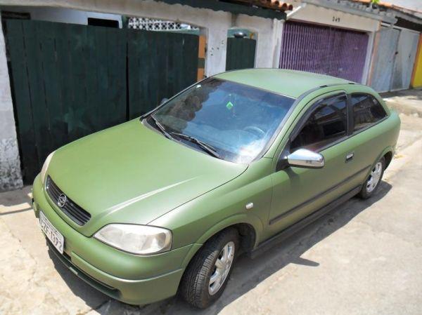 Carro verde Militar Fosco - Arte de envelopar